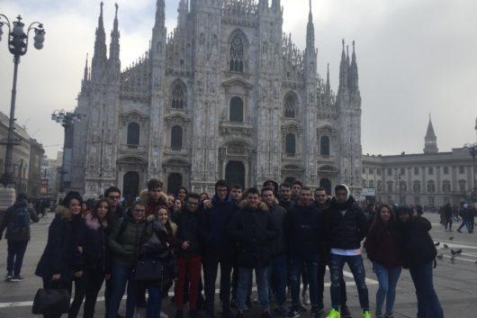 24-01-19 Il Liceo Santachiara in visita alla mostra di Banksy a Milano