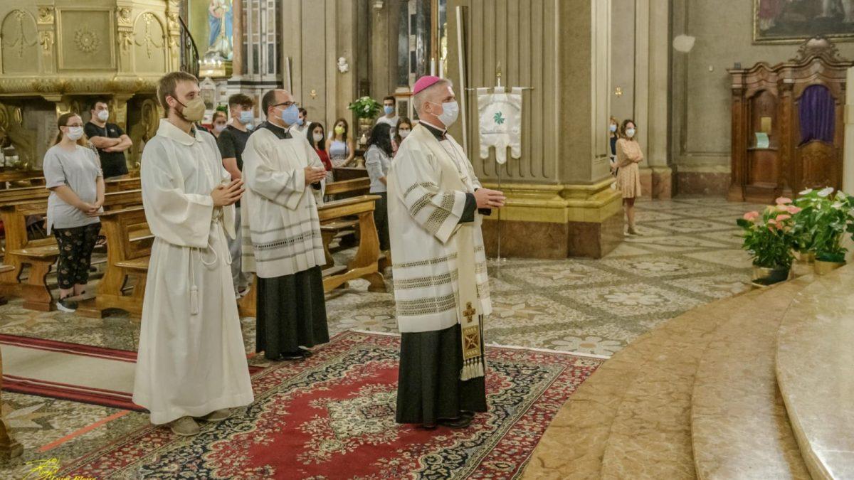 Il saluto dell'Arcivescovo Vittorio Viola ai giovani della diocesi di Tortona