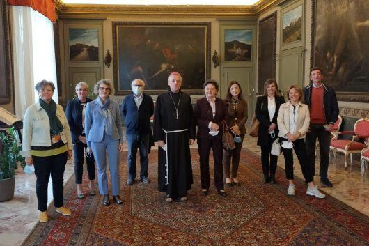 L'Istituto Santachiara saluta l'Arcivescovo Vittorio Viola in partenza per Roma